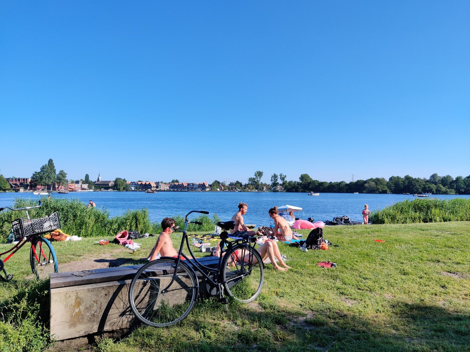 A 15km route with 35+ degrees to enjoy a rare sunny day in the Netherlands. Check the route!